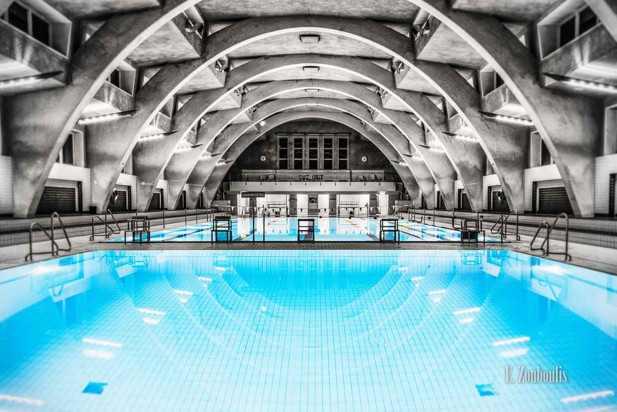Architecture, Architektur, Baden-Württemberg, Blue, Chromakey, Colorkey, Deutschland, EZ00001, Fine Art, FineArt, Germany, Heslach, Heslacher Hallenbad, Moby Dick, Monochrome, Pool, Schwimmbad, Schwimmen, Schwimmhalle, Seepferdchen, Sports, Stuttgart, Stuttgart Süd, Swimming, Swimming Pool, Wal, Worlds best architecture, Zouboulis, zouboulis photography