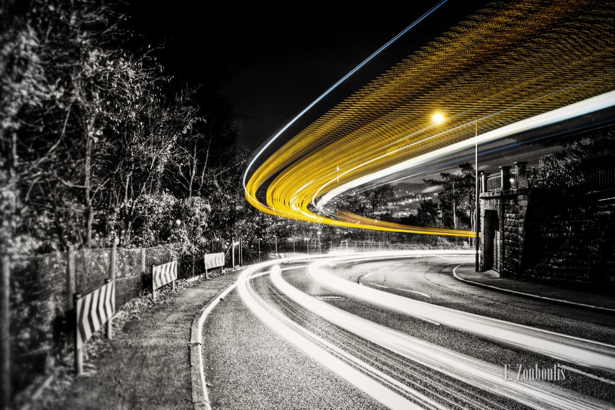 At The Speed Of Light, Baum, Bus, Chromakey, City, Cloud Movement, Clouds, Colorkey, Dark, Deutschland, Dunkel, EZ00009, Fine Art, FineArt, Gelb, Germany, Green, Grün, Langzeitbelichtung, Licht, Light Trails, Long Exposure, Nacht, Night, SSB, Skyline, Speed, Strasse, Street, Stuttgart, Traffic, Trails, Transport, Tree, Wolken, Yellow, Zouboulis, bogen, bow, curve, killesberg, kurve, lights, spannungsbogen, stadt, zouboulis photography