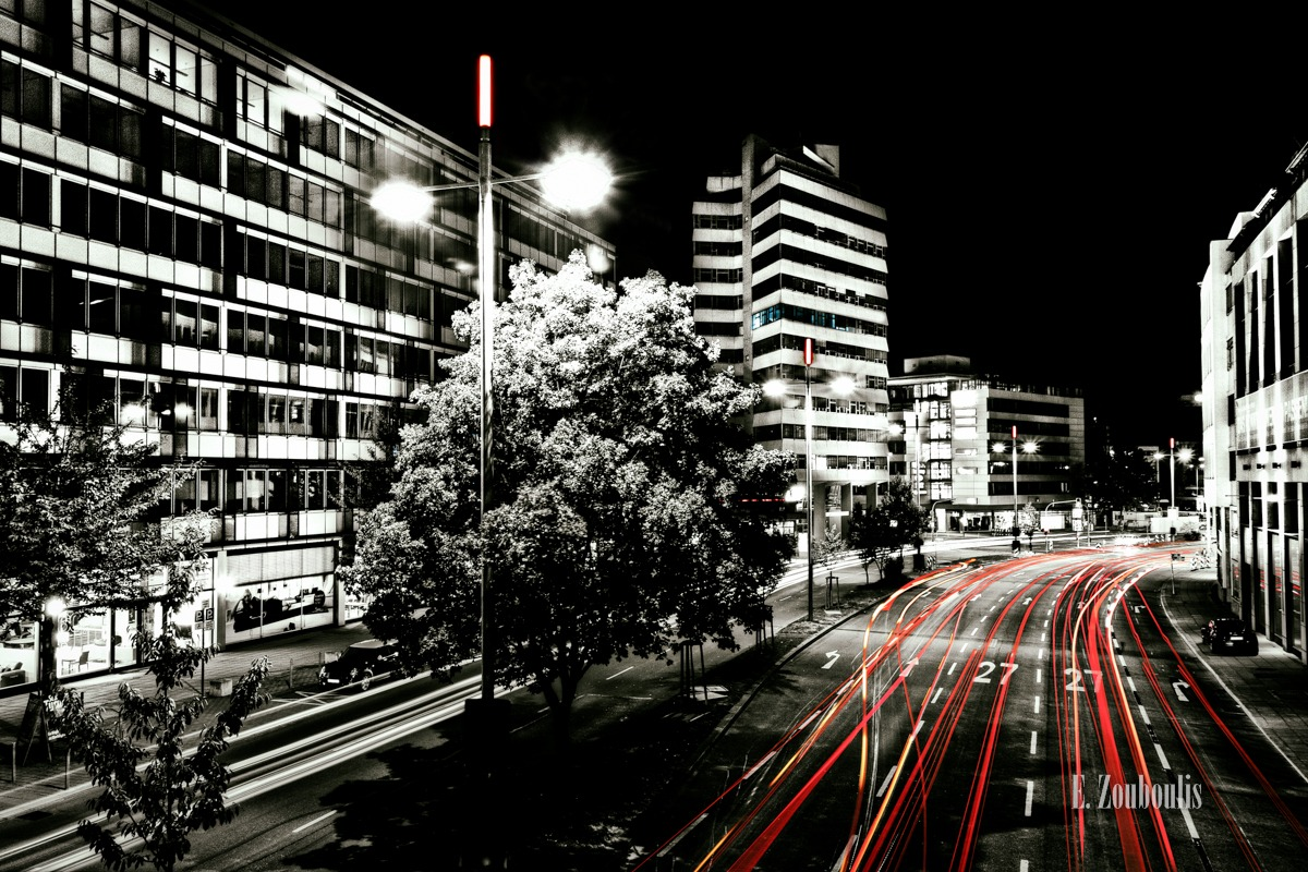 At The Speed Of Light, Baden-Württemberg, Baum, Chromakey, City, Colorkey, Deutschland, Dunkel, EZ00012, Fine Art, FineArt, Germany, Licht, Light Trails, Nacht, Night, Skyline, Street, Stuttgart, Stuttgart City Lights, Traffic, Trails, Tree, Zouboulis, b27, bundesstrasse, ebner, ebner stolz, hauptbahnhof, lbs, lights, stolz, theodor heuss, zouboulis photography