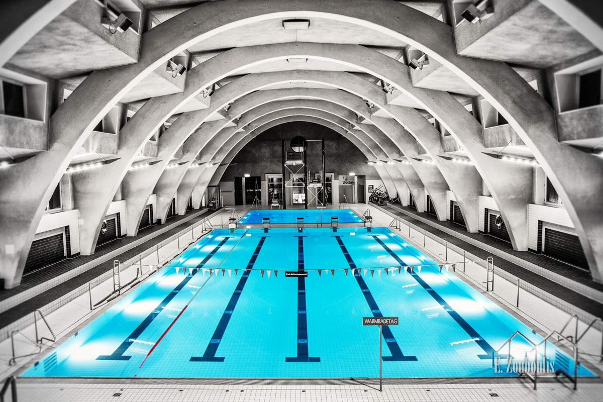 Architecture, Architektur, Baden-Württemberg, Blue, Chromakey, Colorkey, Deutschland, EZ00029, Fine Art, FineArt, Germany, Heslach, Heslacher Hallenbad, Moby Dick, Monochrome, Pool, Schwimmbad, Schwimmen, Schwimmhalle, Seepferdchen, Sports, Stuttgart, Stuttgart Süd, Swimming, Swimming Pool, Wal, Worlds best architecture, Zouboulis, zouboulis photography