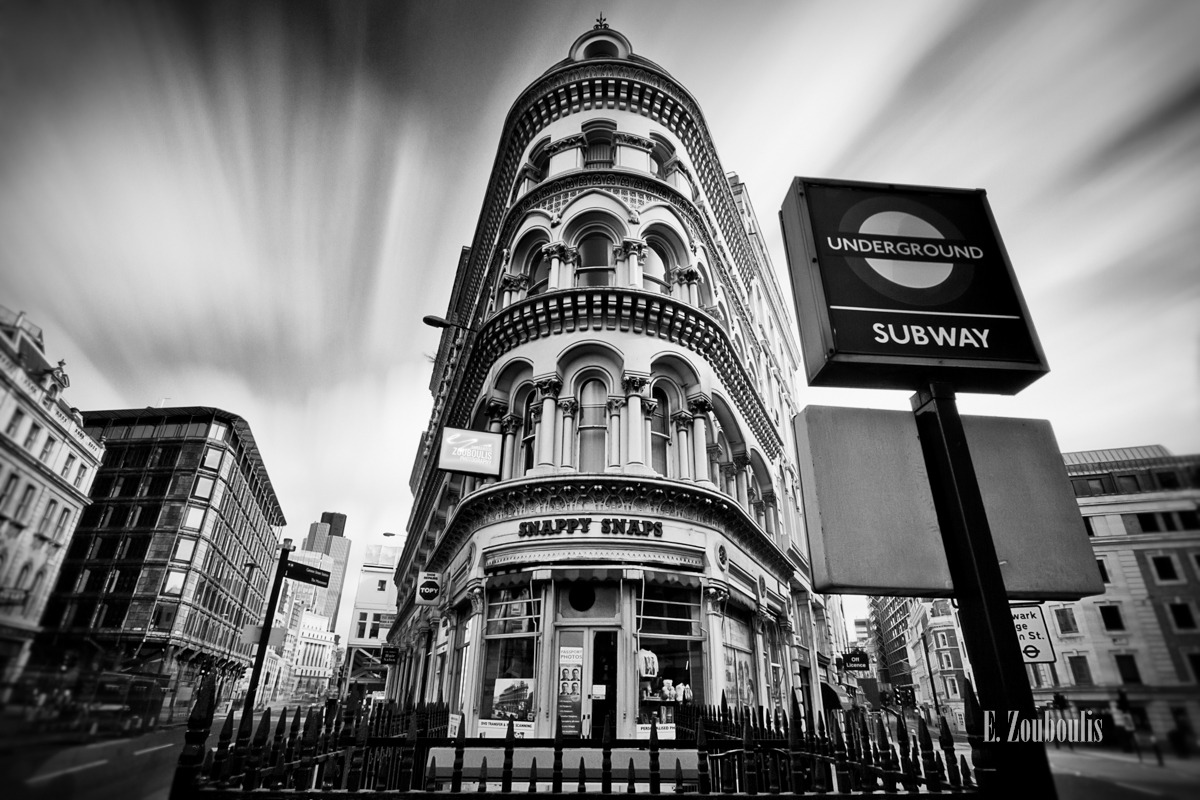 Architecture, Architektur, Around the Corner, Art, Black And White, Britain, City, EZ00048, England, Financial District, Fine Art, FineArt, GB, Great Britain, House, Kunst, Langzeitbelichtung, London, Long Exposure, Metro, Monochrom, Monochrome, Schwarzweiss, UK, Underground, United Kingdom, Zouboulis, metropole, urban, zouboulis photography