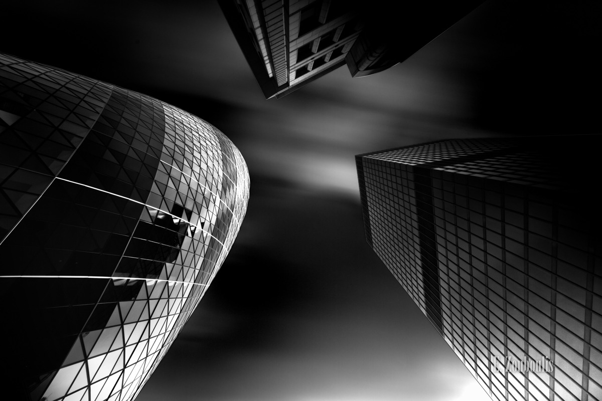 Architecture, Architektur, Art, Black And White, Britain, City, Cloud Movement, Clouds, EZ00055, England, Fassad, Fassade, Fine Art, FineArt, Gherkin, Gherkin and Friends, Glass, Great Britain, House, Kunst, Langzeitbelichtung, London, Long Exposure, Monochrom, Monochrome, Schwarzweiss, Tag, UK, United Kingdom, Wolken, Zouboulis, bank, day, skyscrapers, wolkenbewegung, wolkenkratzer, zouboulis photography