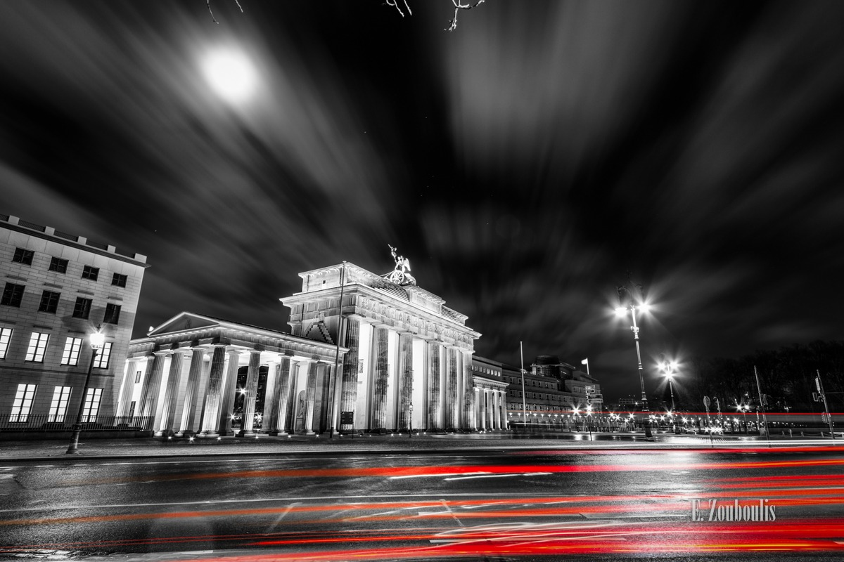 At The Speed Of Light, Berlin, Brandenburg, Brandenburger Tor, Chromakey, Clouds, Colorkey, Dark, Deutschland, Dunkel, Düster, EZ00068, Fine Art, FineArt, Germany, Langzeitbelichtung, Light Trails, Long Exposure, Mond, Moon, Nacht, Night, Speed, Traffic, Trails, Vollmond, Wolken, Zouboulis, zouboulis photography
