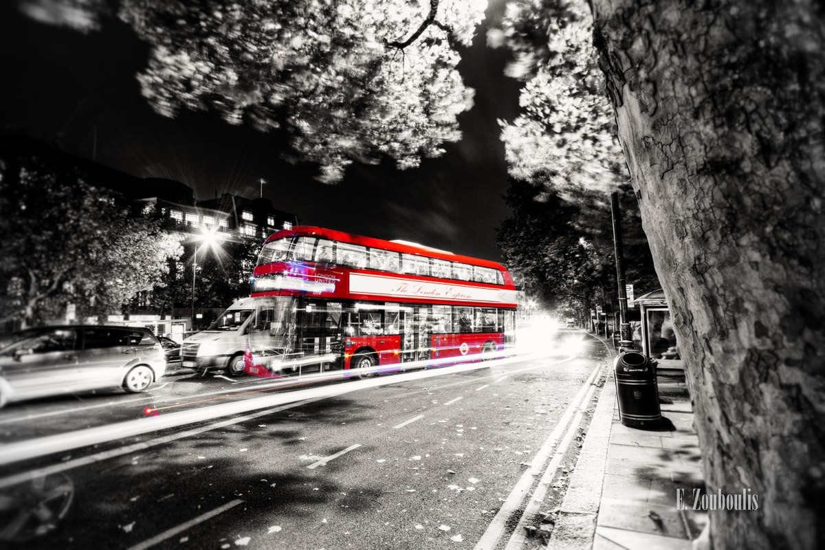 At The Speed Of Light, Auto, Baum, Britain, Bus, Chromakey, Colorkey, Dunkel, EZ00099, England, Fine Art, FineArt, Ghost, Great Britain, Licht, Light Trails, London, Nacht, Night, Rot, Speed, Strasse, Street, Traffic, Trails, Tree, UK, United Kingdom, Zouboulis, coach, ghos bus, red, zouboulis photography