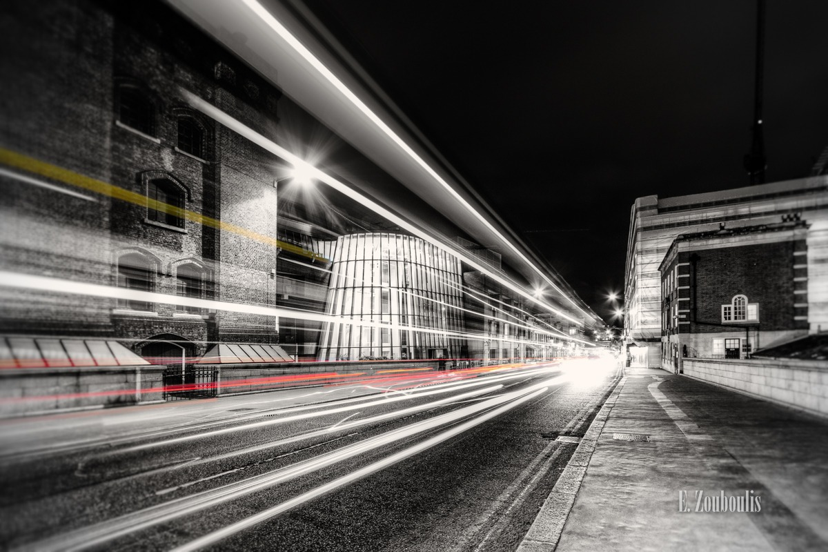 Art, At The Speed Of Light, Bridge, Britain, Chromakey, Colorkey, EZ00101, England, Fine Art, FineArt, Gelb, Great Britain, Kunst, Light Trails, London, Nacht, Night, Rot, Strasse, Streak, Street, Tower Bridge, Tower Bridge Road, Traffic, Trails, Transport, UK, United Kingdom, Yellow, Zouboulis, red, zouboulis photography