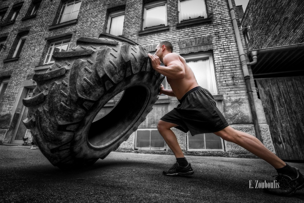 Chromakey, Colorkey, Deutschland, EZ00108, Fine Art, FineArt, Fitness, Germany, Giant, Gondor, Goran, Muscles, Push, Reifen, Strength, Strong, Strongman, Stuttgart, Tag, Tyre, Zouboulis, day, flip, training, zouboulis photography