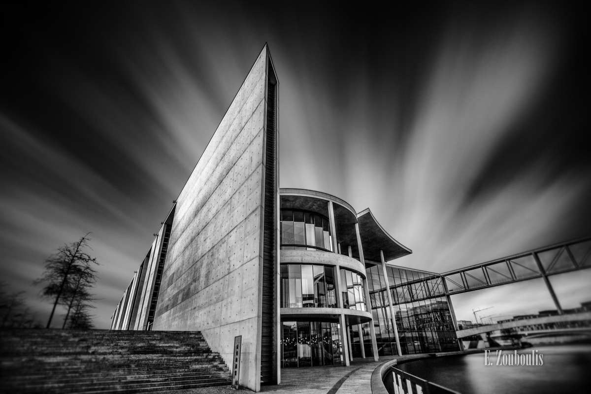 Architecture, Architektur, Berlin, Black And White, Braunfels, Cloud Movement, Clouds, Deutschland, EZ00127, Fine Art, FineArt, Germany, Langzeitbelichtung, Long Exposure, Monochrom, Monochrome, Paul Löbe Haus, Regierungsviertel, Schwarzweiss, Tag, Wolken, Zouboulis, day, wolkenbewegung, zouboulis photography