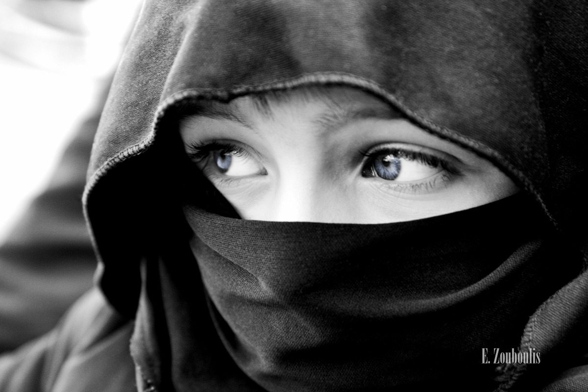 Augen, Beduine, Black And White, Blaue Augen, Blue, Chromakey, Colorkey, EZ00152, Eyes, Fine Art, FineArt, Ilias, Monochrom, Monochrome, Portrait, Schleier, Schwarzweiss, Zouboulis, zouboulis photography