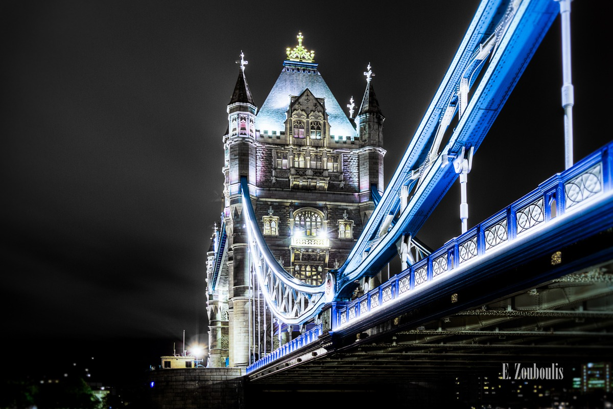 Architecture, Architektur, Art, Bridge, Britain, Crown, Dark, Dunkel, EZ00180, England, Fine Art, FineArt, Great Britain, Licht, London, Majestic, Majesty, Nacht, Night, Themse, Tower Bridge, UK, United Kingdom, Zouboulis, light, urban, urban dreams, zouboulis photography