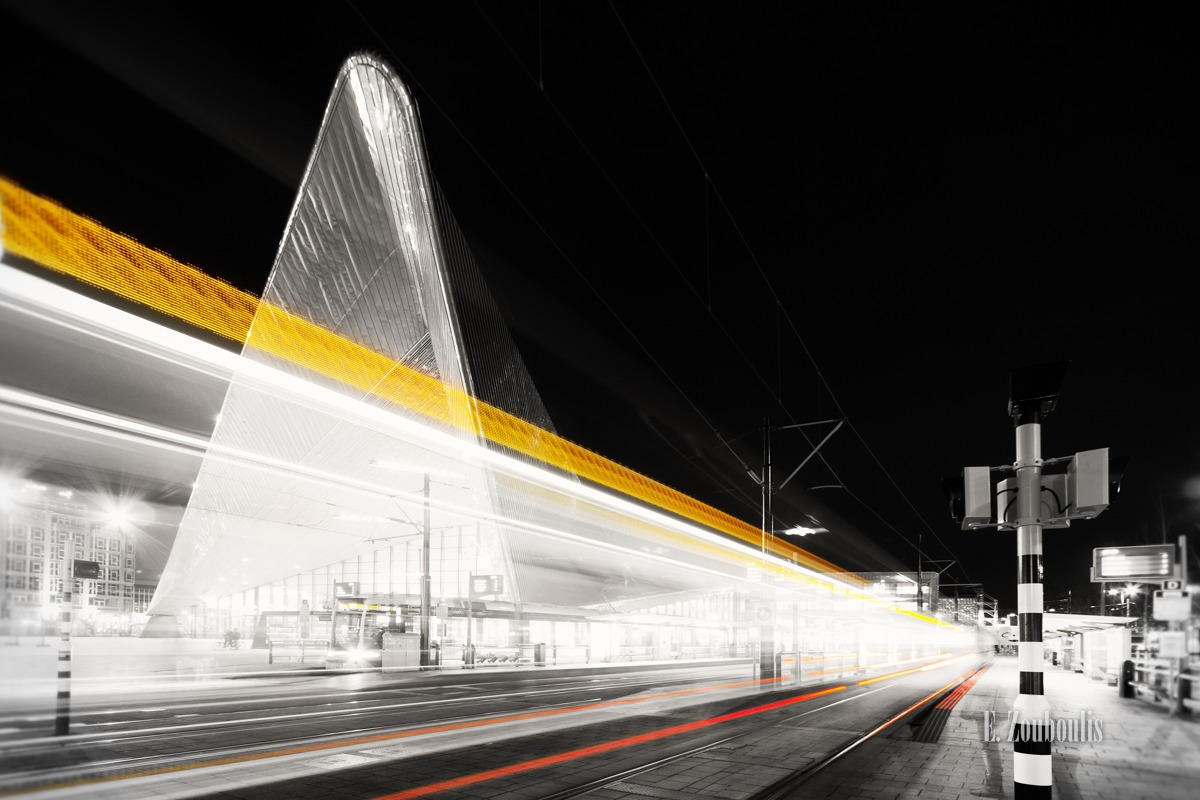 Architecture, Architektur, At The Speed Of Light, Building, Chromakey, City, Colorkey, Dark, Dunkel, EZ00260, Fine Art, FineArt, Gelb, Langzeitbelichtung, Licht, Light Trails, Long Exposure, Metro, Nacht, Netherlands, Night, RET, Rotterdam, Speed, Traffic, Trails, Train, Train Station, Tram, Yellow, Zouboulis, centraal, centraal station, dutch, gebäude, passengers, rotterdam central, rotterdamse elektrische tram, spangen, track, zouboulis photography