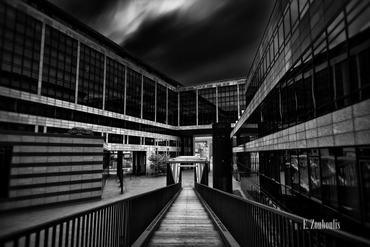 Architecture, Architektur, BW Bank, Black And White, Clouds, Dark, Deutschland, Dunkel, EZ00279, Europaviertel, Fine Art, FineArt, Germany, LBBW, Langzeitbelichtung, Leading Lines, Lines, Linien, Long Exposure, Monochrom, Monochrome, Schwarzweiss, Stairs, Stairway, Stuttgart, Tag, Wolken, Zouboulis, bank, day, finance, geld, hauptbahnhof, money, symmetrie, symmetrisch, symmetry, zouboulis photography