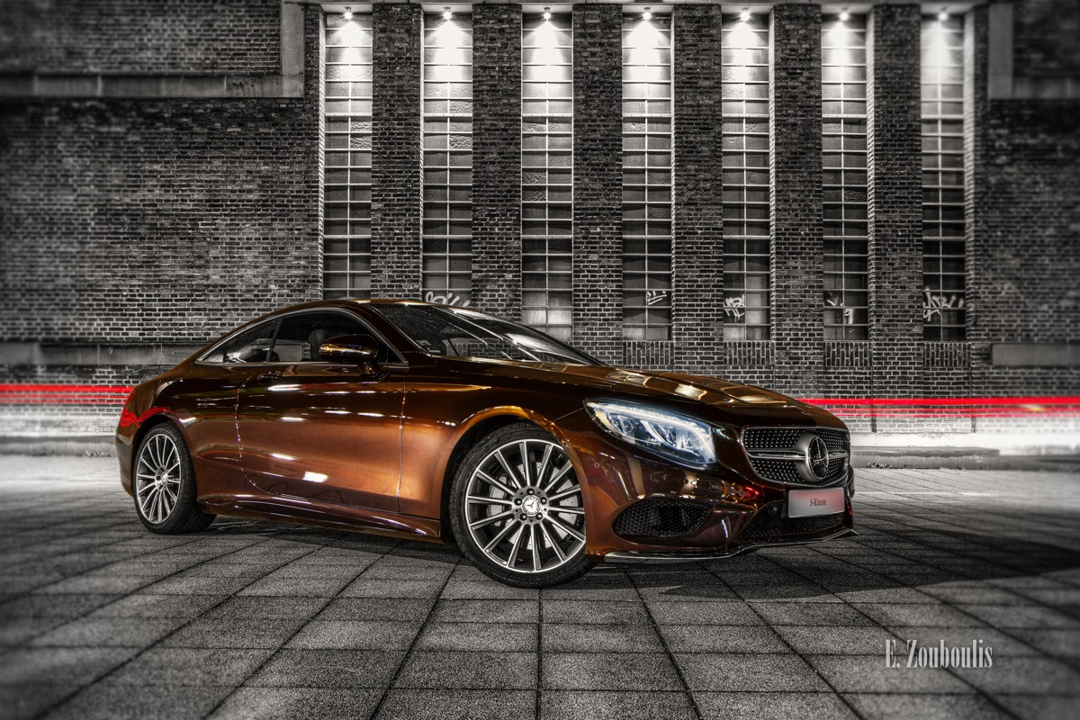 Automotive, Benz, Cars, Chromakey, Colorkey, Deutschland, Dunkel, EZ00337, Fassad, Fassade, Fine Art, FineArt, Germany, Licht, Mercedes, Mercedes Benz Bank, Nacht, Night, Pragsattel, S500, Sclass, Sklasse, Stuttgart, Zouboulis, s500coupe, theaterhaus, zouboulis photography