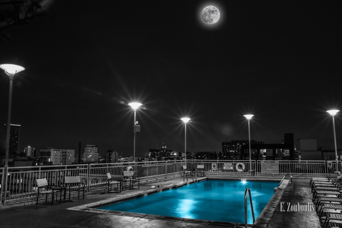 Blau, Blue, Chromakey, City, Colorkey, Dunkel, EZ00423, Fine Art, FineArt, Full Moon, Licht, Mond, Moon, Nacht, Night, Pool, San Francisco, Schwimmbad, Schwimmen, Swimming, Swimming Pool, USA, Vollmond, Zouboulis, california, cityscape, moonshine, urban, water, zouboulis photography