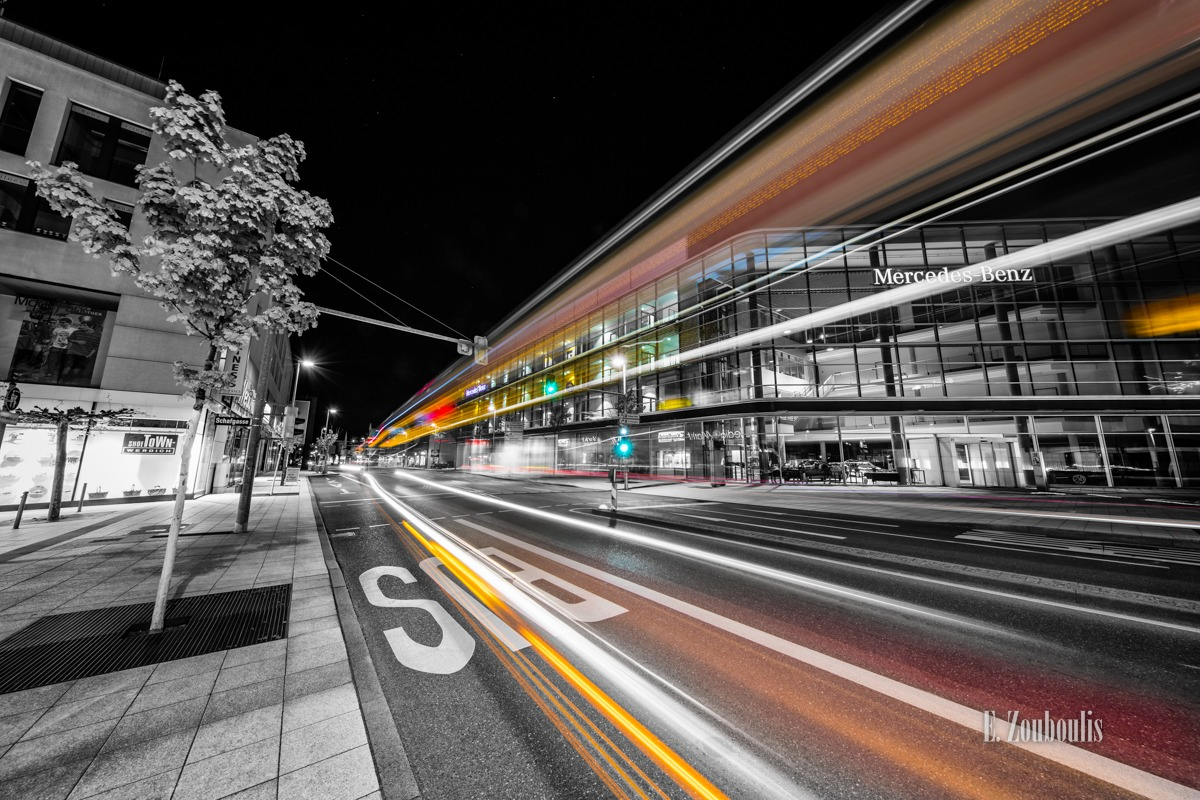 Ampel, At The Speed Of Light, Benz, Bus, Cars, Chromakey, Colorkey, Deutschland, Dunkel, EZ00458, Fine Art, FineArt, Gelb, Germany, Geschwindigkeit, Licht, Light Trails, Mercedes, Nacht, Night, Rot, Schwabengallerie, Speed, Streak, Stuttgart, SubMerced, Traffic, Traffic Lights, Trails, Vaihingen, Velocity, Yellow, Zouboulis, dynamic, dynamisch, mercedes benz, red, schafgasse, zouboulis photography