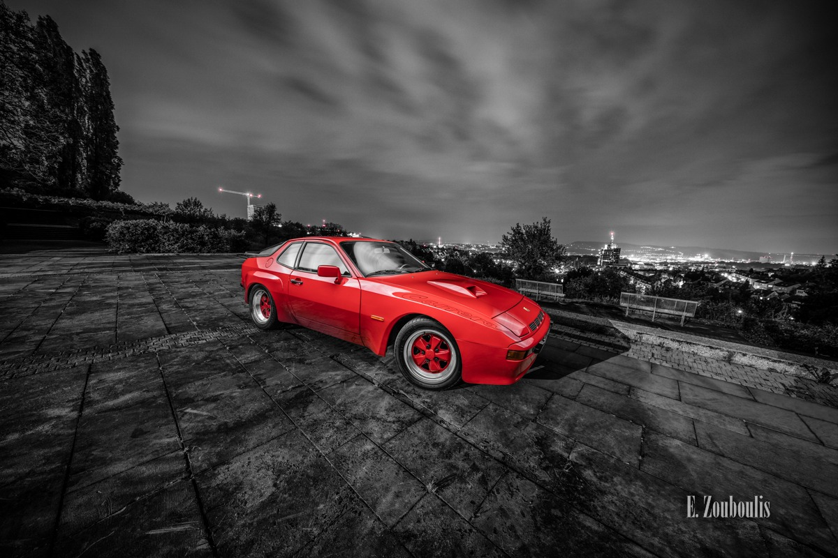 Architecture, Architektur, At The Speed Of Light, Auto, Bus, Car, Carrera, Carrera GT, Chromakey, City, Colorkey, Deutschland, Dunkel, EZ00481, Fine Art, FineArt, Germany, Langzeitbelichtung, Licht, Long Exposure, Nacht, Night, Porsche, Porsche 924, Rot, Skyline, Stuttgart, Zouboulis, aussichtspunkt, classic, classic car refugium, helber, killesberg, oldtimer, red, youngtimer, zouboulis photography