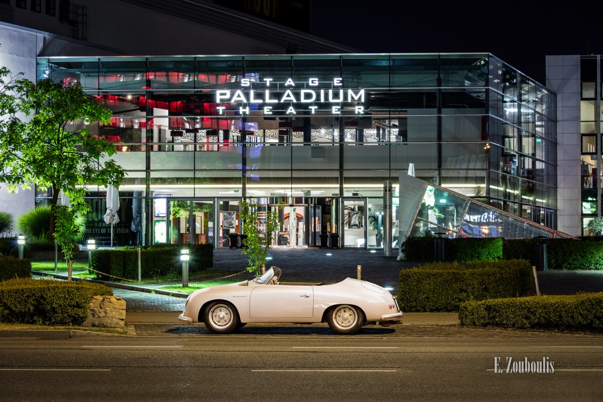 Ein grauer Porsche 356 Speedster vor dem Stage Palladium Theater am SI Centrum in Stuttgart-Möhringen