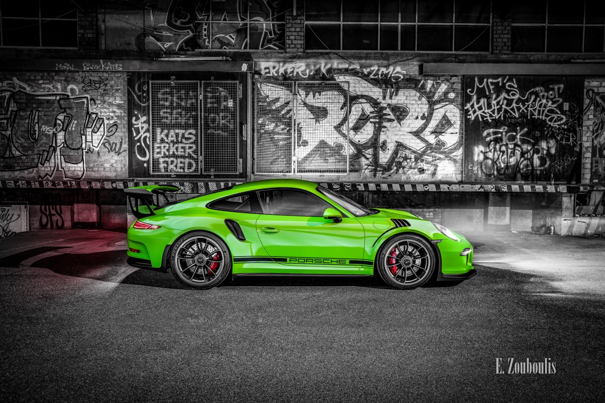 911, Auto, Automotive, Black And White, Car, Cars, Chromakey, Colorkey, Deutschland, Dunkel, EZ00575, Fine Art, FineArt, GT3 RS, Germany, Green, Grün, Langzeitbelichtung, Licht, Long Exposure, Monochrom, Monochrome, Nacht, Night, Porsche, Schwarzweiss, Stuttgart, Zouboulis, automobil, classic car refugium, ghetto, graffiti, gt3, helber, sportscar, urban, zouboulis photography