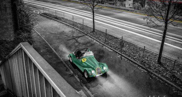 Morgan Plus 4 Super Sports zu Besuch in Stuttgart bei Nacht