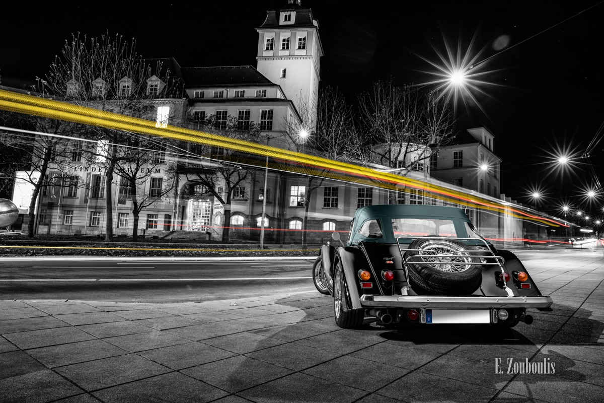 Automotive, Baden-Württemberg, Baum, Bäume, Cars, Chromakey, Colorkey, Deutschland, Dunkel, EZ00638, Fine Art, FineArt, Germany, Langzeitbelichtung, Licht, Light Trails, Lindenmuseum, Long Exposure, Morgan, Nacht, Night, Plus 8, Roadster, Stuttgart, Traffic, Trails, Tree, Trees, Zouboulis, automobil, british, classic car refugium, helber, kompressor, light trail, urban, v8, zouboulis photography