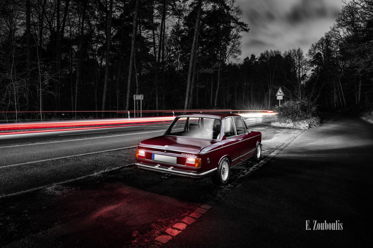 Auto, Automotive, BMW, BMW 2002, BMW Classic, BMW tii, Cars, Cemetery, Chromakey, City, Colorkey, Deutschland, Dunkel, EZ00641, Fine Art, FineArt, Friedhof, Germany, Licht, Light Trails, Nacht, Night, Schützenhaus, Stuttgart, Traffic, Trails, Waldfriedhof, Zouboulis, classic car refugium, fog, helber, historic, light trail, mist, nebel, oldtimer, stadt, urban, zouboulis photography