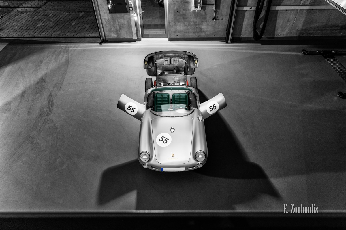 550 Spyder, Auto, Car, Chromakey, City, Colorkey, Deutschland, Dunkel, EZ00722, Filderstadt, Fine Art, FineArt, Germany, Langzeitbelichtung, Licht, Light Long Exposure, Long Exposure, Motor, Motorraum, Nacht, Night, Porsche, Porsche 550, Rot, Stuttgart, Zouboulis, classic, classic car refugium, helber, historic, oldtimer, red, werkstatt, zouboulis photography