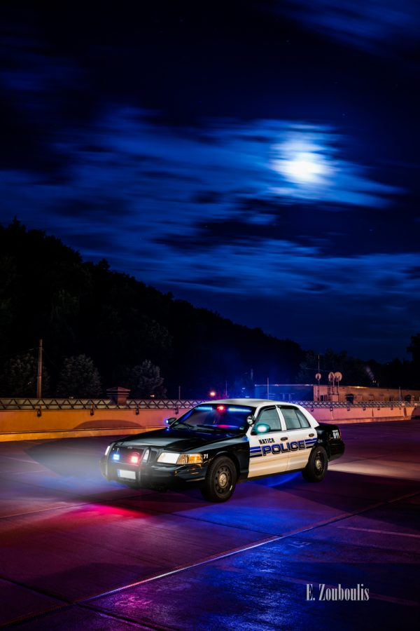 911, Auto, Automotive, Blau, Cars, City, Crown Victoria, Deutschland, Dunkel, EZ00731, Emergency, Fine Art, FineArt, Ford, Germany, Interceptor, Langzeitbelichtung, Licht, Long Exposure, Massachusetts, Nacht, Natick, Night, Police, Police Car, Stuttgart, Zouboulis, zouboulis photography
