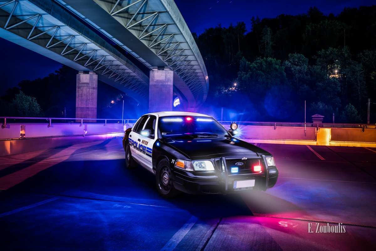 911, Auto, Automotive, Blau, Bridge, Brücke, Cars, City, Crown Victoria, Deutschland, Dunkel, EZ00732, Emergency, Fine Art, FineArt, Ford, Germany, Interceptor, Langzeitbelichtung, Licht, Long Exposure, Massachusetts, Nacht, Natick, Night, Police, Police Car, Stuttgart, Südheim, Zouboulis, zouboulis photography