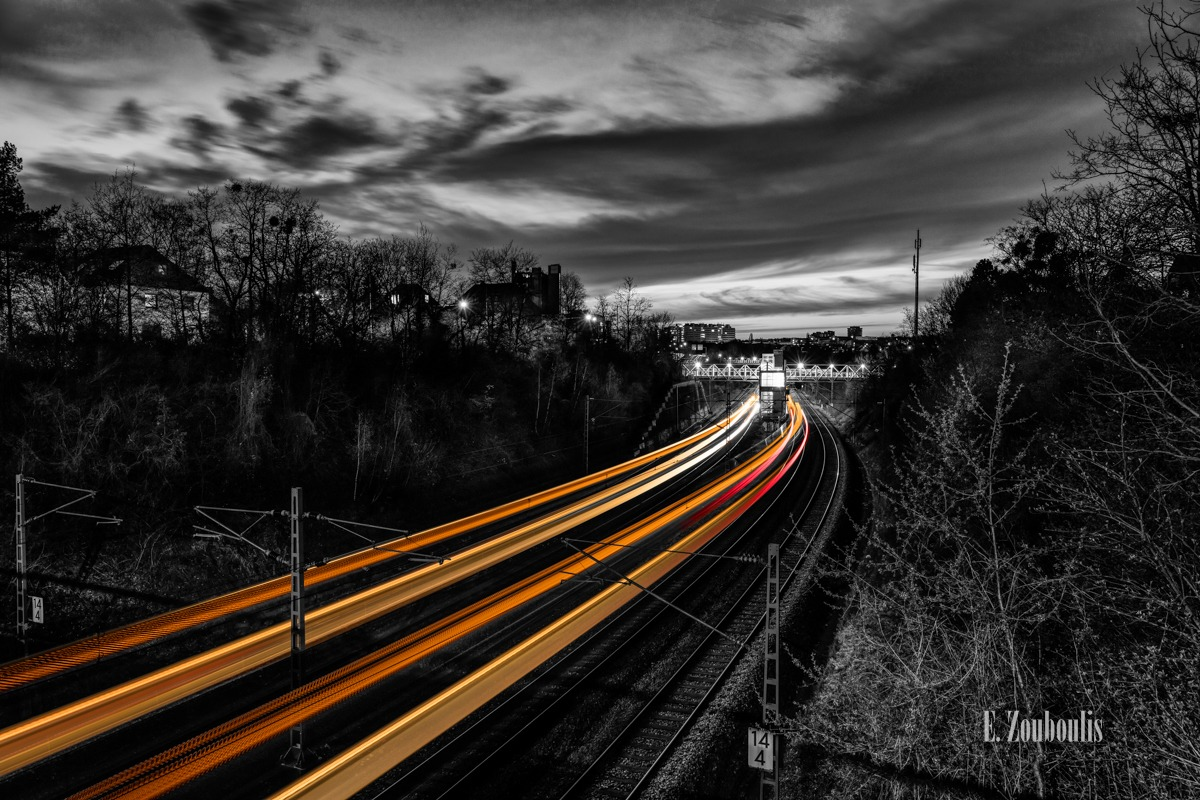 At The Speed Of Light, Bahn, Bridge, Brücke, Chromakey, Colorkey, Deutschland, Dunkel, EZ00766, Fine Art, FineArt, Gelb, Germany, Langzeitbelichtung, Licht, Lichtschweif, Light Trails, Long Exposure, Nacht, Night, Rail Tracks, Speed, Stuttgart, Traffic, Trails, Train, Vaihingen, Velocity, Yellow, Zouboulis, futuristic, futuristisch, sbahn, schienen, zouboulis photography, österfeld