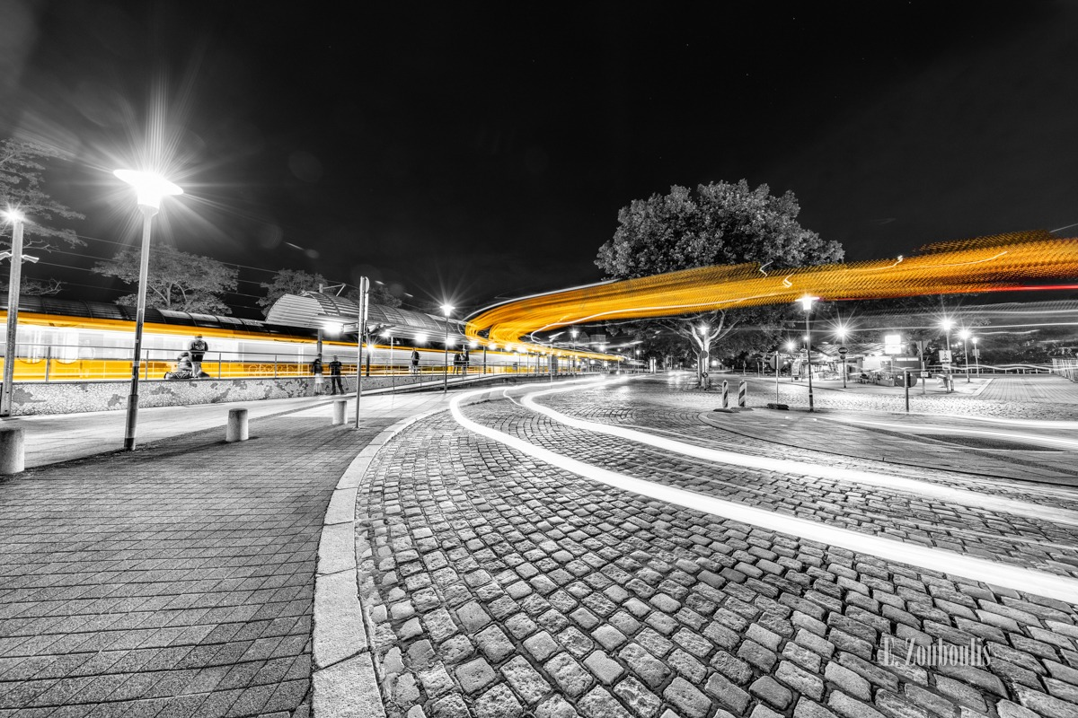 At The Speed Of Light, Bus, Chromakey, Colorkey, Deutschland, Dunkel, EZ00781, Fine Art, FineArt, Gelb, Germany, Langzeitbelichtung, Licht, Lichtschweif, Light Trails, Long Exposure, Nacht, Night, Rot, SSB, SSBAG, Speed, Stuttgart, Traffic, Trails, Train, Tram, Yellow, Zouboulis, bahnhof, feuerbach, red, straßenbahn, zouboulis photography
