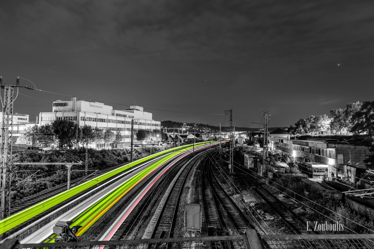 At The Speed Of Light, Chromakey, Colorkey, Deutschland, Dunkel, EZ00783, Fine Art, FineArt, Germany, Green, Grün, Langzeitbelichtung, Licht, Lichtschweif, Light Trails, Long Exposure, Nacht, Night, Rot, Speed, Stuttgart, Traffic, Trails, Train, Zouboulis, bahnhof, feuerbach, mahle, red, schienen, tracks, zouboulis photography