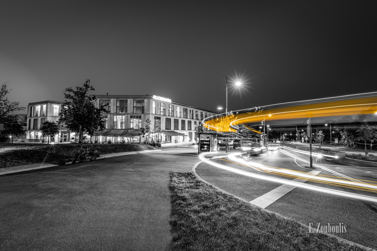 At The Speed Of Light, Bus, Chromakey, Colorkey, Deutschland, Dunkel, EZ00784, Fine Art, FineArt, Gelb, Germany, Killesberghöhe, Langzeitbelichtung, Licht, Lichtschweif, Light Trails, Long Exposure, Nacht, Night, SSB, SSBAG, Speed, Stuttgart, Traffic, Trails, Yellow, Zouboulis, bus stop, bushaltestelle, killesberg, killesbergpark, park, zouboulis photography