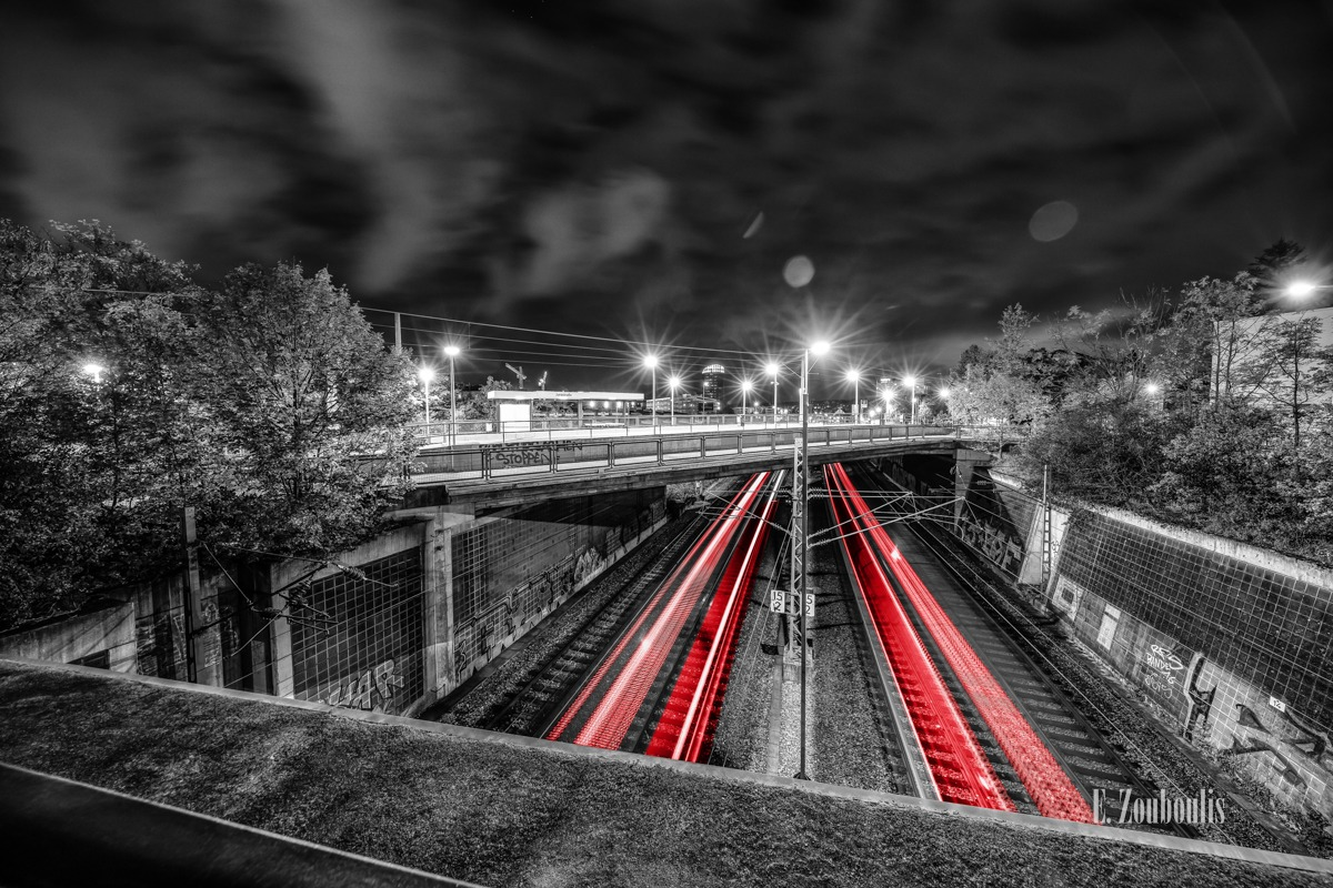 At The Speed Of Light, Bahn, Bridge, Brücke, Chromakey, Colorkey, Deutschland, Dunkel, EZ00789, Fine Art, FineArt, Germany, Langzeitbelichtung, Licht, Lichtschweif, Light Trails, Long Exposure, Nacht, Night, Rail Tracks, Rot, Speed, Stuttgart, Traffic, Trails, Train, Vaihingen, Velocity, Zouboulis, futuristic, futuristisch, jurastrasse, jurastraße, red, sbahn, schienen, zouboulis photography