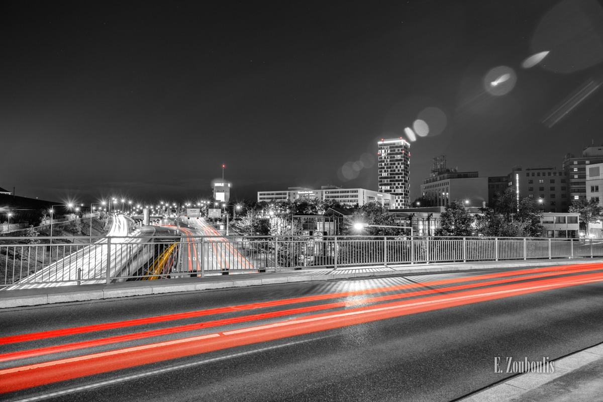 At The Speed Of Light, Bahn, Bridge, Brücke, Chromakey, Colorkey, Daimler Financial Services, Deutschland, Dunkel, EZ00790, Fine Art, FineArt, Germany, Hochbunker, Langzeitbelichtung, Licht, Lichtschweif, Light Trails, Long Exposure, Mercedes Benz Bank, Nacht, Night, Pragsattel, Rail Tracks, Rot, Skyline, Speed, Stuttgart, Traffic, Trails, Train, Tram, Velocity, Zouboulis, b10, b27, futuristic, futuristisch, mahle, red, schienen, zouboulis photography
