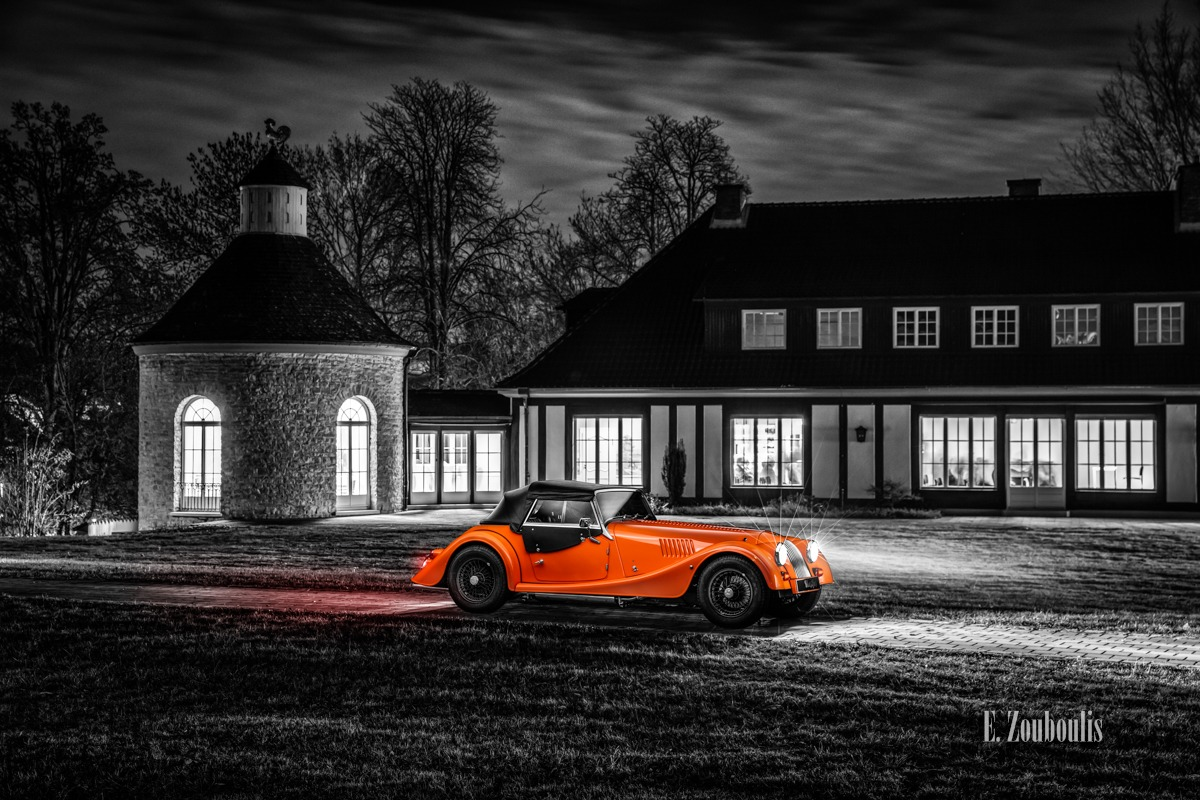 Baden-Württemberg, Chromakey, Deutschland, Dunkel, EZ00805, Fine Art, FineArt, Germany, Gärtringen, Langzeitbelichtung, Licht, Light Trails, Long Exposure, Morgan, Nacht, Night, Orange, Roadster, Schwalbenhof, Villa, Villa Schwalbenhof, Zouboulis, automobil, british, classic car Colorkey, phone booth, phone box, urban, zouboulis photography