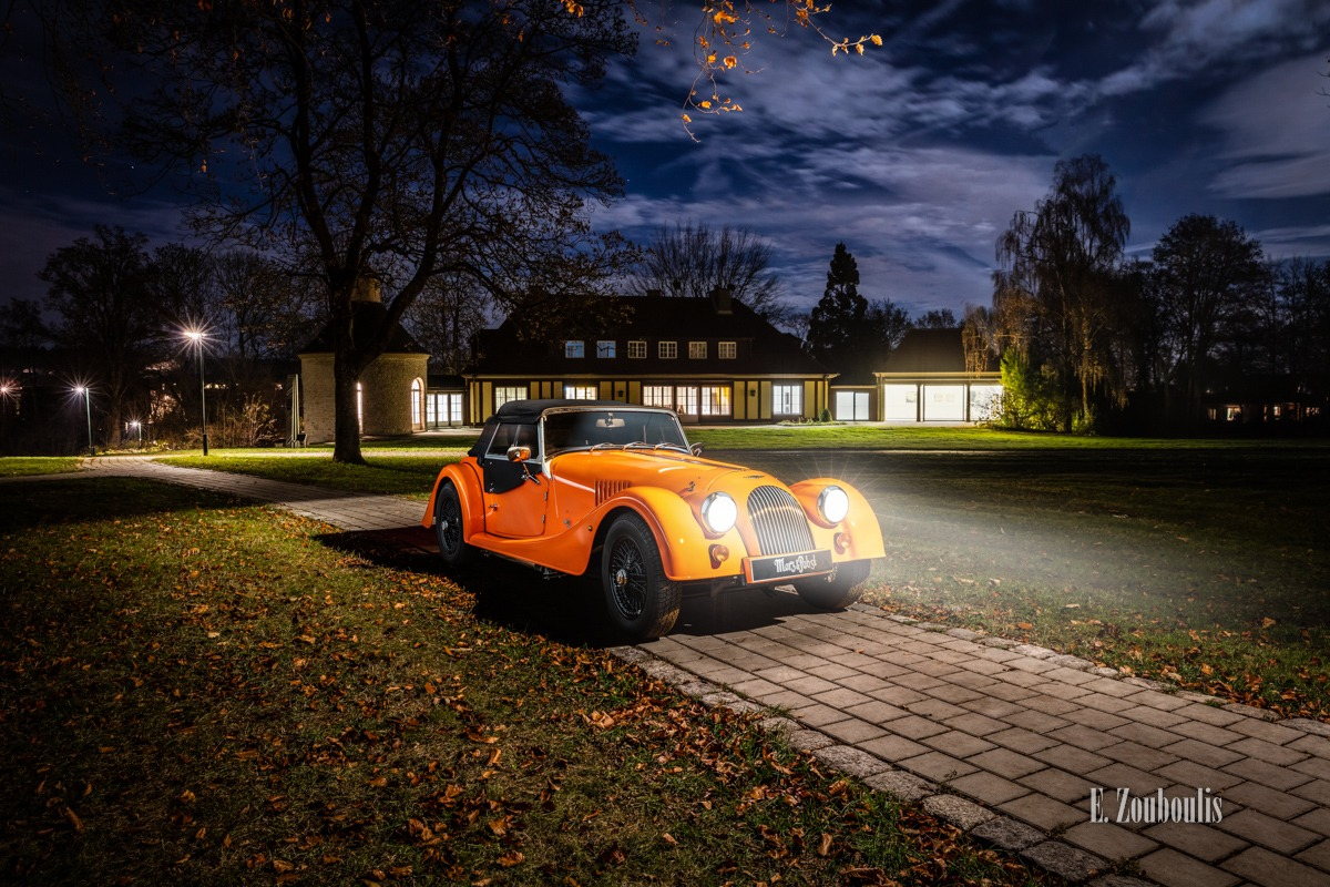 Baden-Württemberg, Deutschland, Dunkel, EZ00808, Fine Art, FineArt, Germany, Gärtringen, Langzeitbelichtung, Licht, Long Exposure, Morgan, Nacht, Night, Orange, Roadster, Schwalbenhof, Villa, Villa Schwalbenhof, Zouboulis, automobil, british, classic car, urban, zouboulis photography