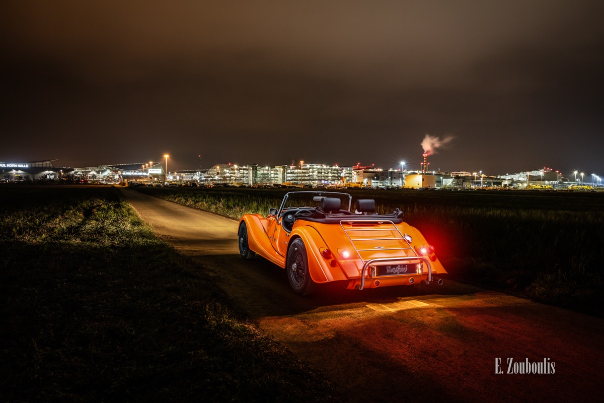 Airport, Baden-Württemberg, Dunkel, EZ00814, Filderstadt, Fine Art, FineArt, Flughafen, Germany, Langzeitbelichtung, Licht, Long Exposure, Morgan, Nacht, Night, Orange, Stuttgart, Zouboulis, automobil, british, classic car Deutschland, fildern, messe, urban, zouboulis photography