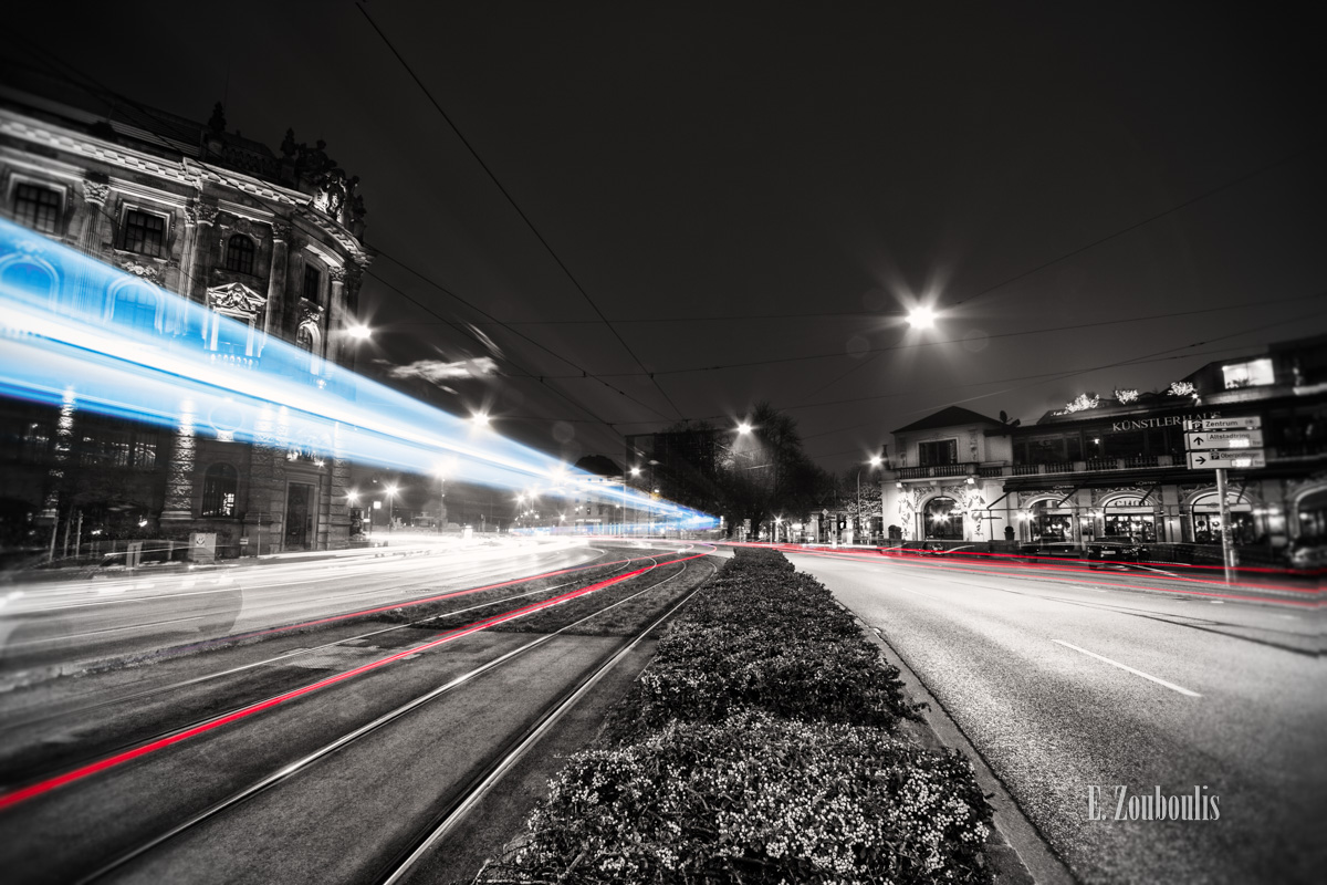 At The Speed Of Light, Blau, Blue, Chromakey, Colorkey, Deutschland, Dunkel, EZ00035, Fine Art, FineArt, Germany, Karlsplatz, Licht, Light Trails, Munich, München, Nacht, Night, Rot, Speed, Stachus, Traffic, Trails, Tram, Zouboulis, lenbachplatz, red, zouboulis photography