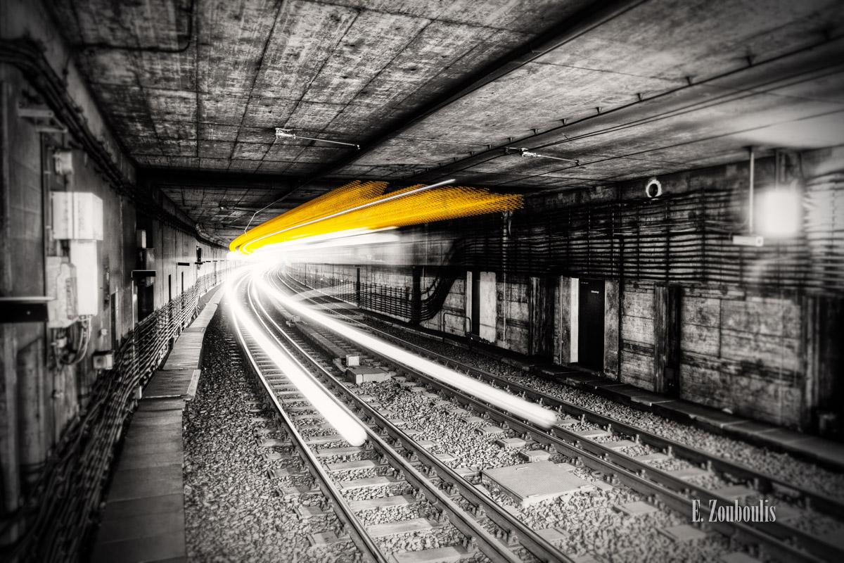 At The Speed Of Light, Bahn, Chromakey, Colorkey, Deutschland, Dunkel, Dynamics, EZ00098, Fine Art, FineArt, Gelb, Germany, Langzeitbelichtung, Licht, Lichtschweif, Light Trails, Light at the End of the Tunnel, Lightning, Long Exposure, SSB, SSBAG, Schlossplatz, Speed, Stadtbahn, Strassenbahn, Stuttgart, Traffic, Trails, Tram, Tunnel, Underground, Velocity, Yellow, Yellow Lightning, Zouboulis, untergrund, zouboulis photography