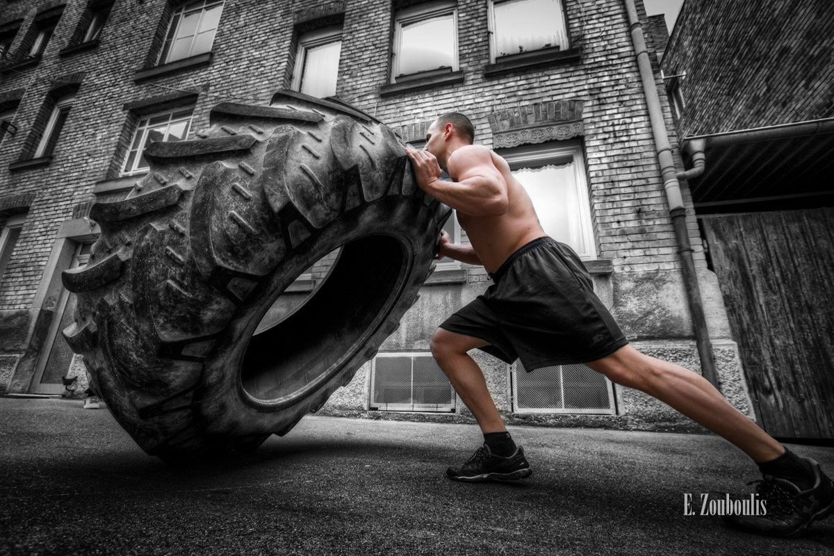 Chromakey, Colorkey, Deutschland, EZ00108, Fine Art, FineArt, Fitness, Germany, Giant, Gondor, Goran, Muscles, Push, Reifen, Strength, Strong, Strongman, Stuttgart, Tag, Tyre, Zouboulis, day, flip, training, zouboulis photography