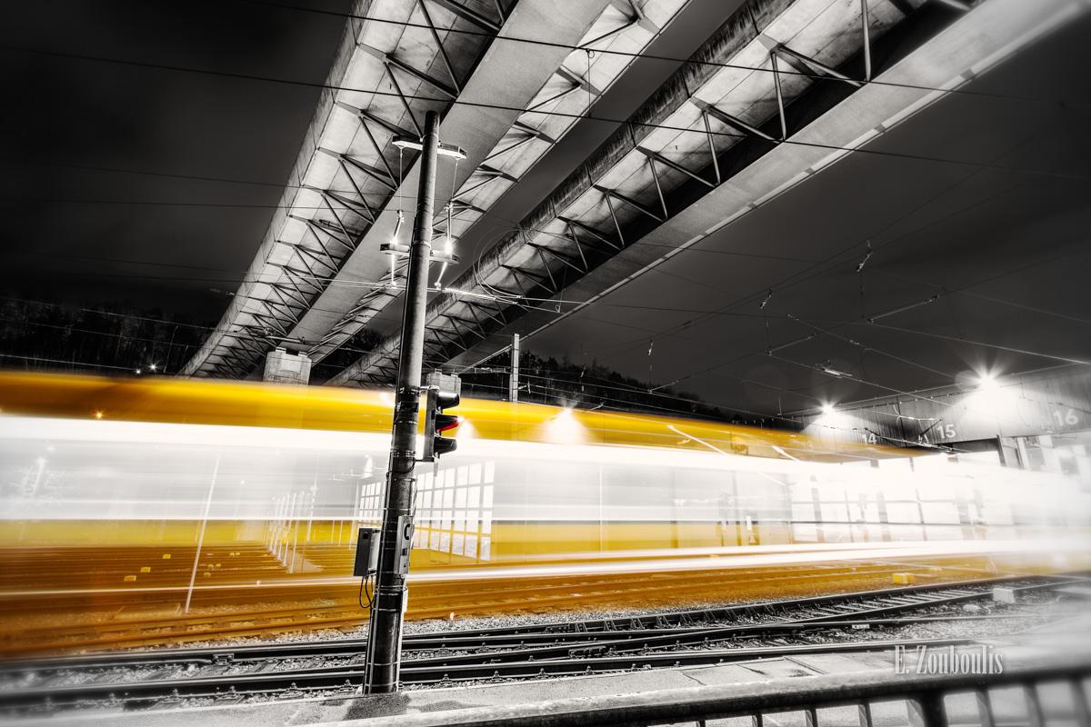 At The Speed Of Light, Bahndepot, Bridge, Brücke, Chromakey, Colorkey, Deutschland, EZ00119, Fine Art, FineArt, Gelb, Germany, Heslach, Langzeitbelichtung, Licht, Light Trails, Long Exposure, Nacht, Night, SSB, SSBAG, Stuttgart, Stuttgart Süd, Süd, Südheim, Traffic, Trails, Vogelrain, Yellow, Yellow Lightning, Zouboulis, zouboulis photography