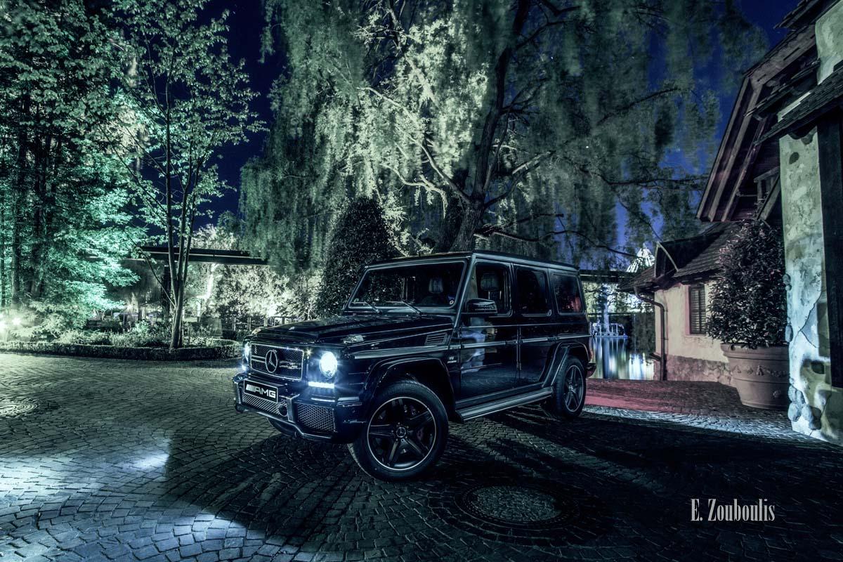 Bild eines Mercedes G63 AMG nachts im Europa Park