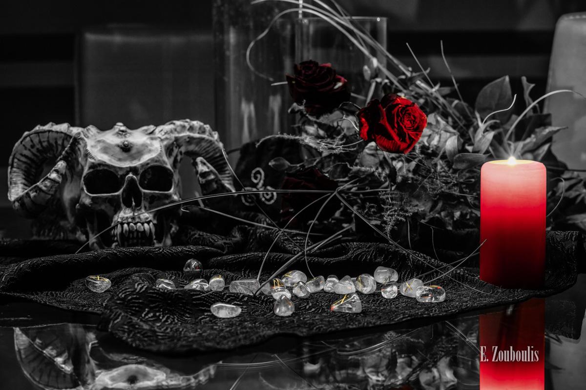 Black, Candle, Chromakey, Colorkey, Dark, Darkness, Death, Dunkel, Dunkelheit, Düster, EZ00459, Fine Art, FineArt, Horns, Hörner, Kerze, Magic, Magie, Mystic, Mystisch, Nacht, Night, Ritual, Rose, Rot, Runen, Runensteine, Schädel, Skull, Stones, Tod, Wahrsagen, Wahrsagerin, Zouboulis, gothic, gothik, gotik, red, schwarz, vampir, zouboulis photography