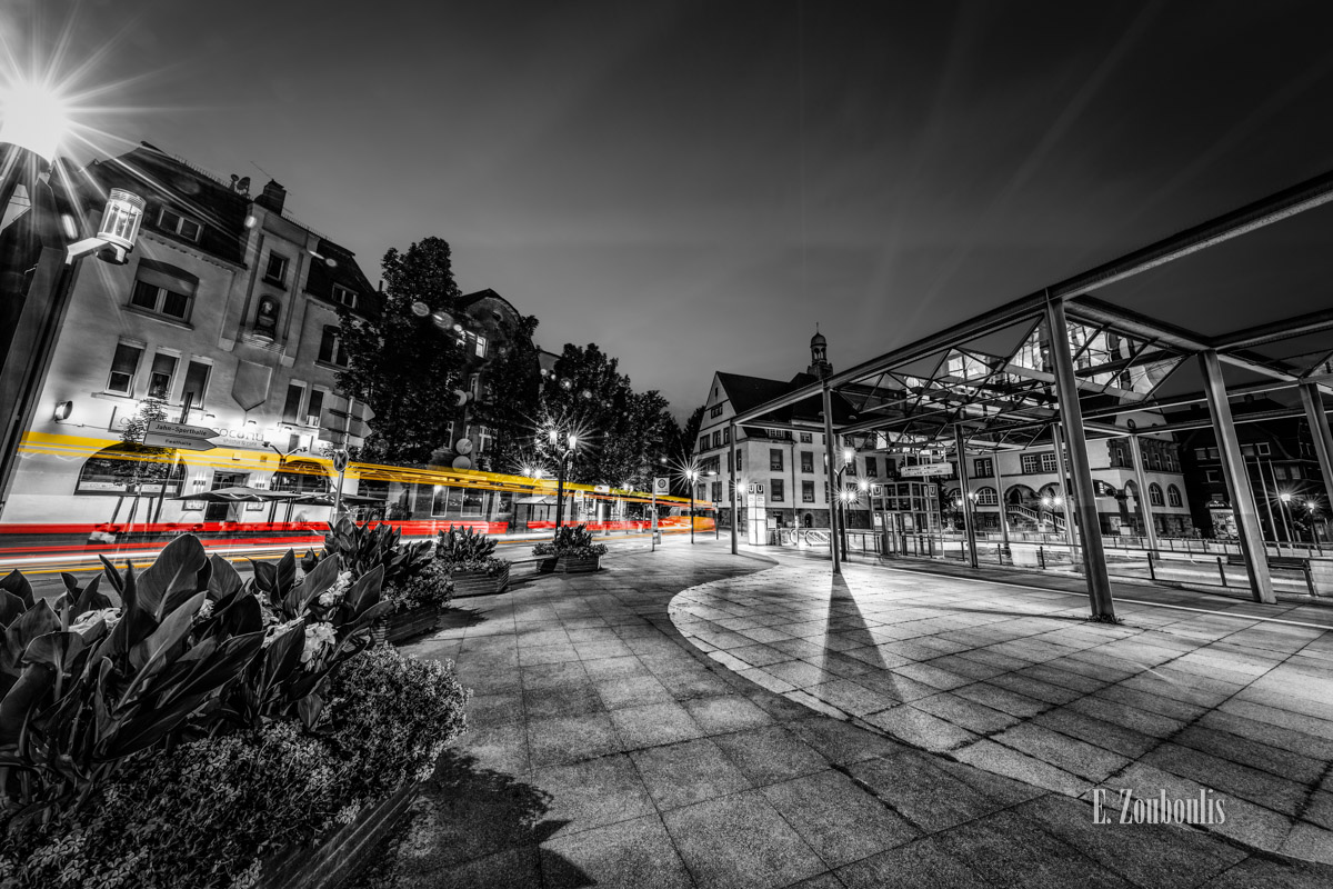 At The Speed Of Light, Bus, Chromakey, Colorkey, Deutschland, Dunkel, EZ00778, Fine Art, FineArt, Gelb, Germany, Langzeitbelichtung, Licht, Lichtschweif, Light Trails, Long Exposure, Nacht, Night, Rot, SSB, SSBAG, Speed, Stuttgart, Traffic, Trails, Yellow, Zouboulis, bürgerbüro, feuerbach, red, wilhelm geiger platz, zouboulis photography