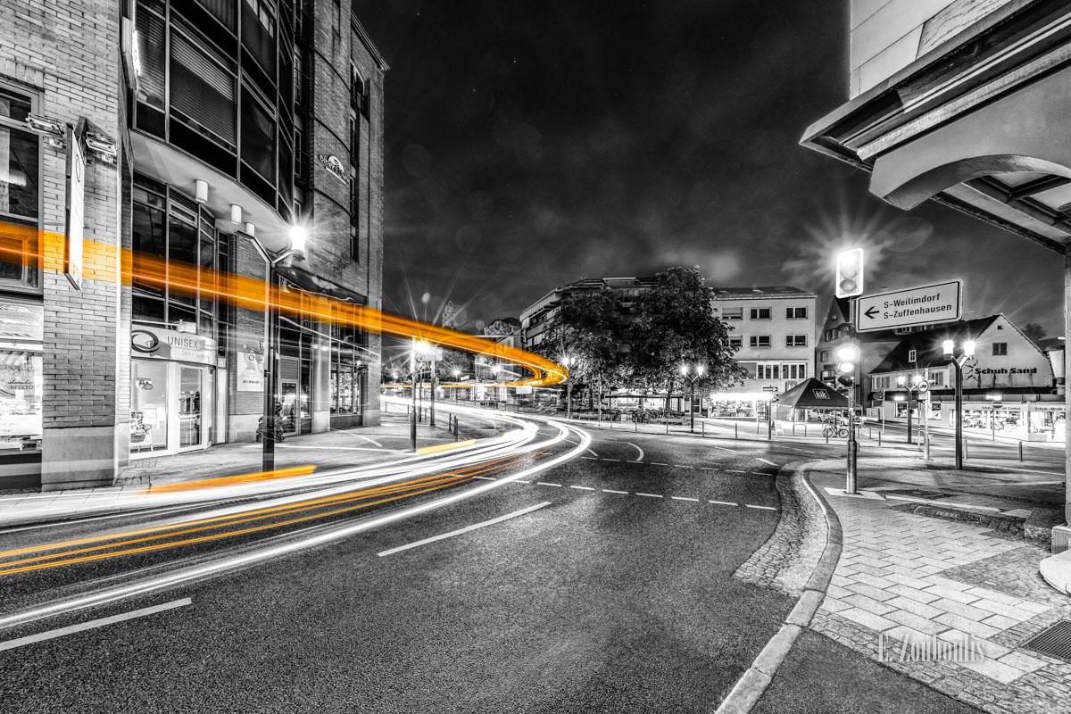 At The Speed Of Light, Bus, Chromakey, Colorkey, Deutschland, Dunkel, EZ00782, Fine Art, FineArt, Gelb, Germany, Langzeitbelichtung, Licht, Lichtschweif, Light Trails, Long Exposure, Nacht, Night, SSB, SSBAG, Speed, Stuttgart, Traffic, Trails, Yellow, Zouboulis, feuerbach, zouboulis photography