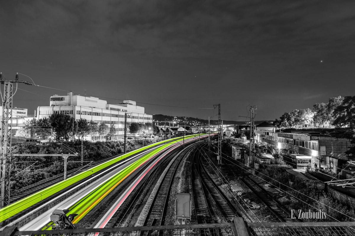 At The Speed Of Light, Chromakey, Colorkey, Deutschland, Dunkel, EZ00783, Fine Art, FineArt, Germany, Green, Grün, Langzeitbelichtung, Licht, Lichtschweif, Light Trails, Long Exposure, Nacht, Night, Rot, Speed, Stuttgart, Traffic, Trails, Train, Zouboulis, bahnhof, feuerbach, mahle, red, schienen, tracks, zouboulis photography