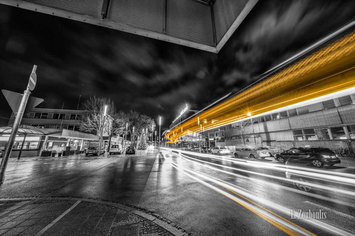 At The Speed Of Light, Baden-Württemberg, Bahn, Bus, Böblingen, Chromakey, City, Colorkey, Deutschland, Dunkel, EZ00819, Fine Art, FineArt, Gelb, Germany, Licht, Light Trails, Nacht, Night, Station, Street, Taxi, Traffic, Trails, Train, Verkehr, Yellow, Zouboulis, Zug, bahnhof, busbahnhof, lights, urban, zouboulis photography