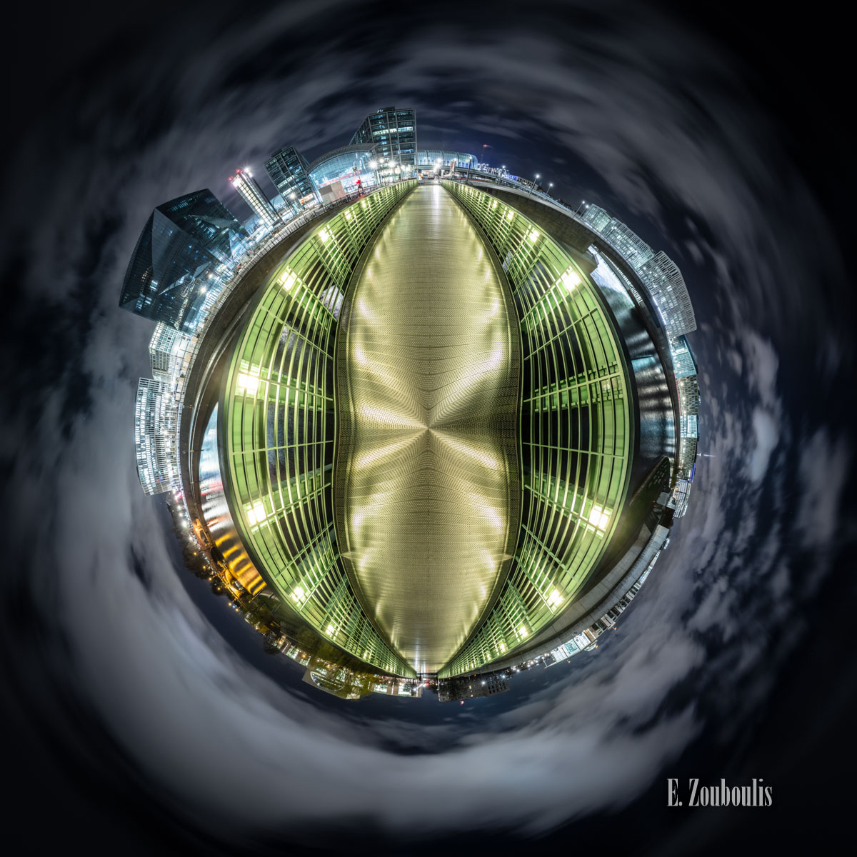 Berlin Snake Eye - Kleiner Planet an der Spree mit Blick auf den Hauptbahnhof und das Regierungsviertel von Berlin